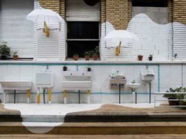Outdoor sinks